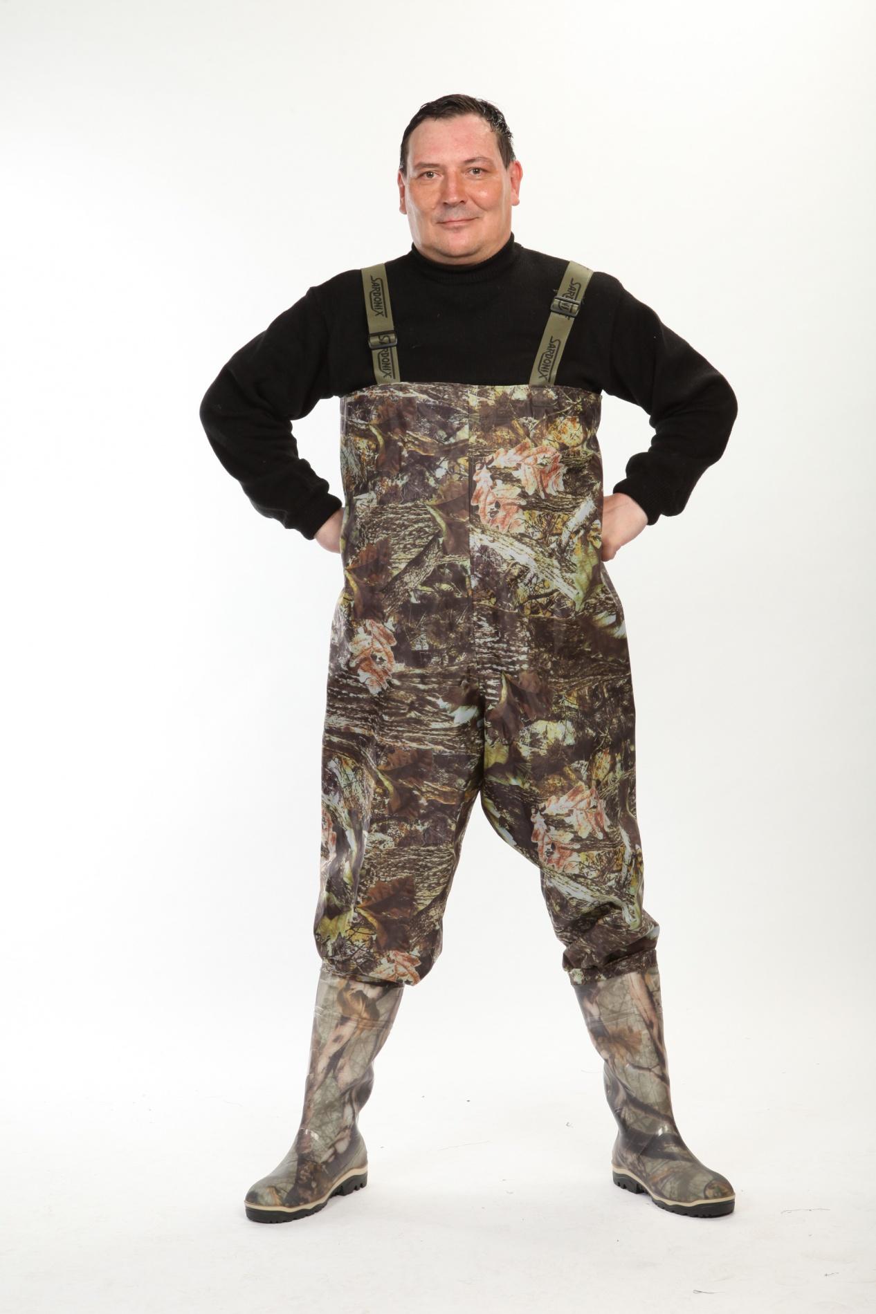 Полукомбинезон рыбацкий КОЛУМБ кмф (SARDONIX), Полукомбинезоны рыбацкие<br>Верх рыбацкого полукомбенизо изготовлен <br>из винитола, обладающего высокой прочностью, <br>износостойкостью и эалстичностью. Винитол <br>герметично соединен с коротким сапогом, <br>что позволяет носить его поверх верхней <br>одежды. Низ галоши выполнен методом трехкомпонентного <br>литья с применением третьего дополнительного <br>промежуточного слоя подошвы из вспененного <br>ПВХ, что придает обуви высокие амортизационные, <br>теплозащитные, антистатические и противоскользящие <br>свойства.<br><br>Пол: мужской<br>Размер: 47(не выставлять)<br>Сезон: лето