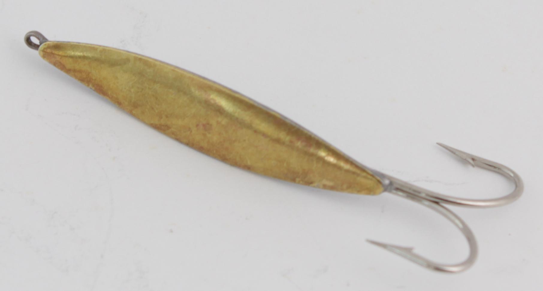 Блесна зимняя DIXXON-RUS Симметрия-2 (лат.) 2.7гр Блесны зимние<br>Блесна для отвесного блеснения рыбы. Оснащена <br>впаянным двойным крючком. Вес - 2,7 г Цвет <br>- латунь<br>