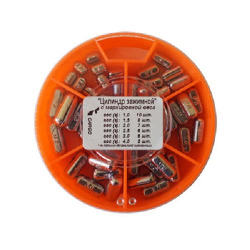 Грузила Цилиндр Зажимной С Маркировкой Грузила наборы<br>Грузила ЦИЛИНДР зажимной 6 секц. 089 набор <br>вес 1,0г-10шт; 1,5-8шт; 2,0г-7шт; 2,5-6шт,г; 3,0г-6шт; <br>4,0г-5шт/с разрезом/6 секций/вес 89г Для поплавочной <br>и легкой донной снасти. На каждом грузике <br>нанесена маркировка веса в граммах.<br><br>Сезон: Летний