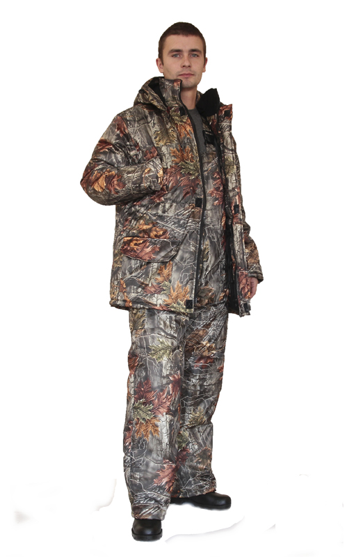 Костюм мужской Нордвиг зимний кмф Серый Костюмы утепленные<br>Камуфлированный универсальный костюм <br>для охоты, рыбалки и активного отдыха при <br>низких температурах. Состоит из удлинненной <br>куртки и полукомбинизона. Куртка: • Отстегивающийся <br>регулируемый капюшон. • Воротник стойка-флис <br>• Центральная застежка молния с ветрозащитной <br>планкой на липе. • Накладные объемные карманы <br>с клапанами. • Низ рукава с трикотажными <br>манжетами. • По линии талии - кулиска Полукомбинезон: <br>• Закрывает грудь и спину. • С центральной <br>застежкой на молнии • Два боковых накладных <br>объемных кармана с клапанами. • Бретели <br>регулируемые эластичной лентой. • Талия <br>регулируется эластичной лентой.<br><br>Пол: мужской<br>Сезон: зима<br>Цвет: серый<br>Материал: «Оксфорд» (100% полиэстер), пл. 110 г/м2